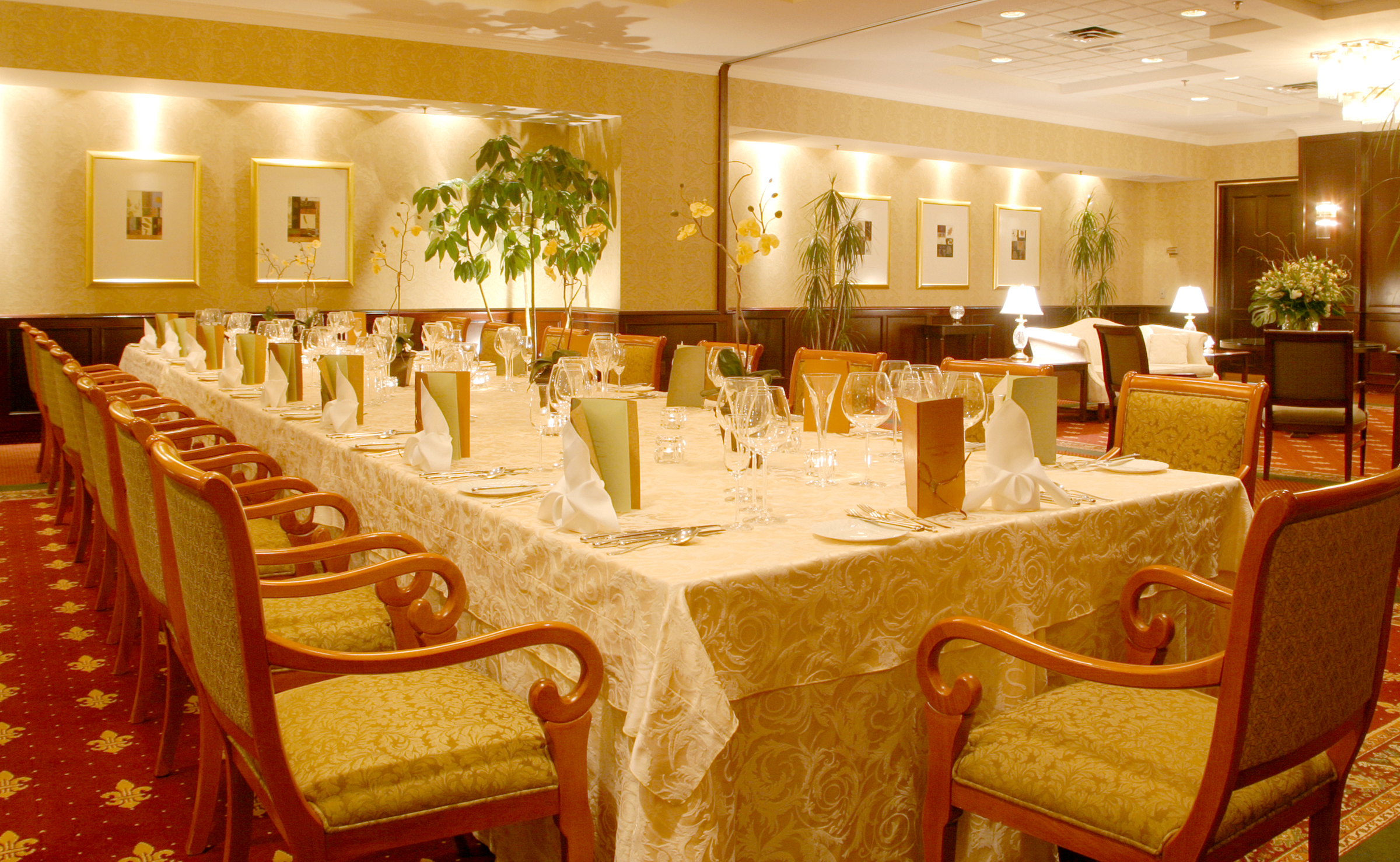 The prince george hotel photo gallery the regency room for Regency dining room